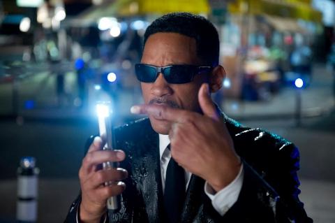 кадры из фильма Люди в черном 3 Уилл Смит,
