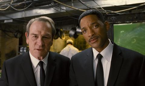 кадры из фильма Люди в черном 3 Томми Ли Джонс, Уилл Смит,