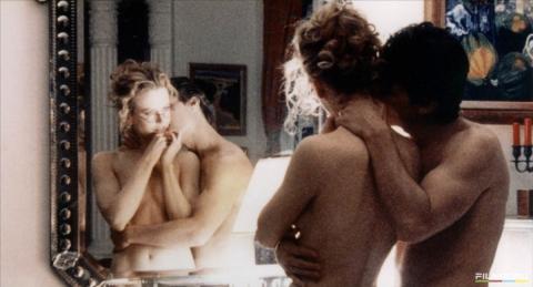 кадр №125757 из фильма С широко закрытыми глазами