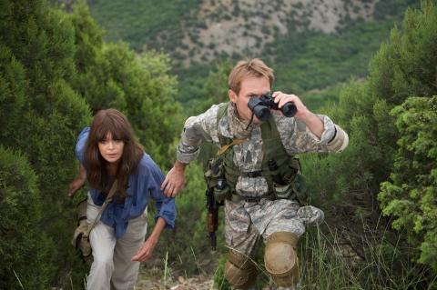 кадры из фильма Солдаты удачи Оксана Коростышевская, Кристиан Слэйтер,