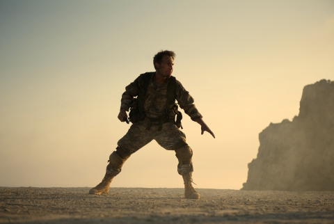 кадры из фильма Солдаты удачи Кристиан Слэйтер,
