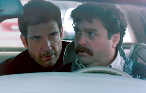 кадры из фильма Грязная кампания за честные выборы Дилан МакДермотт, Зак Галифианакис,