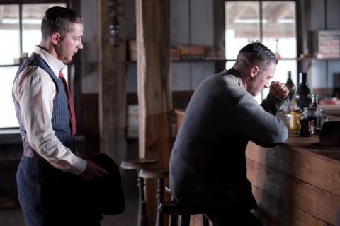 кадры из фильма Самый пьяный округ в мире Шайа ЛаБаф, Том Харди,