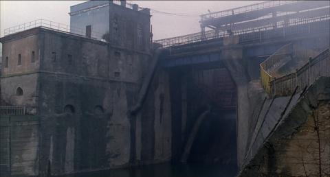 кадр №129714 из фильма Жить