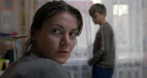 кадр №129719 из фильма Жить