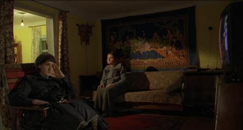 кадр №129721 из фильма Жить