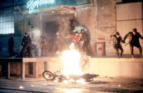 кадр №129760 из фильма Улицы в огне