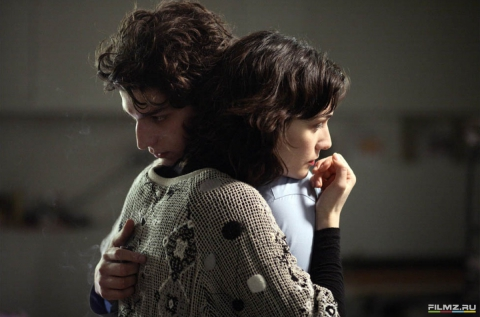 кадры из фильма Все песни только о любви Клотильда Эсме, Луи Гаррель,