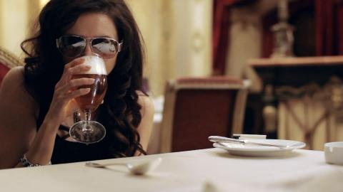 кадры из фильма Пока ночь не разлучит Алиса Хазанова,