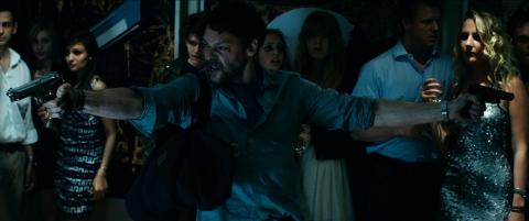 кадр №133891 из фильма Дилер*