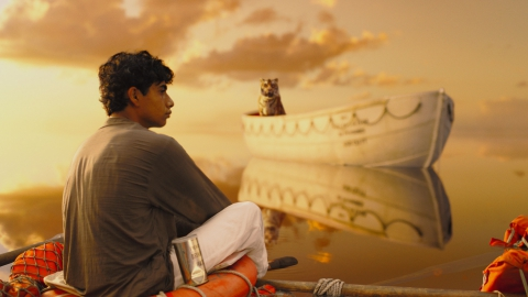 кадры из фильма Жизнь Пи Сураж Шарма,