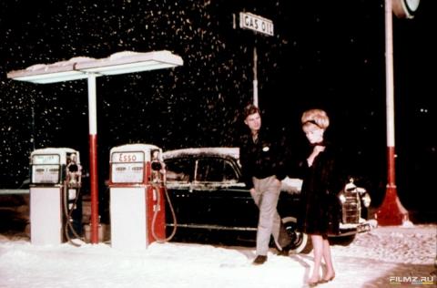 кадр №134645 из фильма Шербурские зонтики
