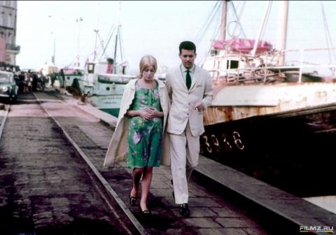 кадр №134648 из фильма Шербурские зонтики