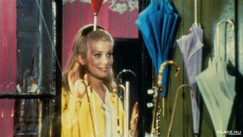 кадр №134656 из фильма Шербурские зонтики