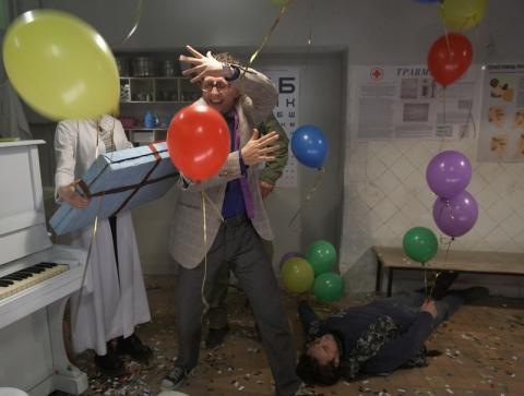 кадры из фильма Парадокс
