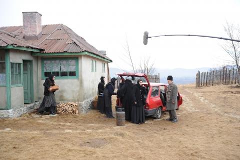 кадр №137835 из фильма За холмами