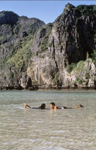 кадр №139453 из фильма Пляж