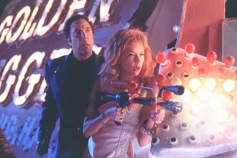 кадры из фильма Марс атакует! Аннет Бенинг,
