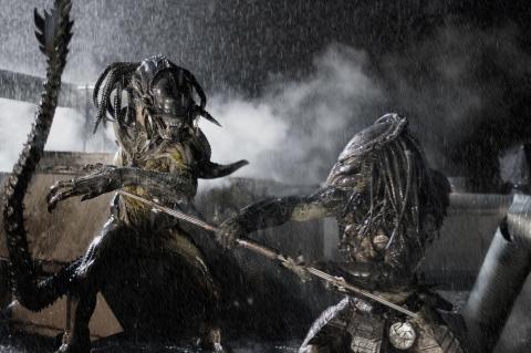 кадр №14530 из фильма Чужие против Хищника: Реквием