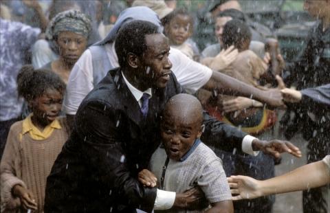 кадр №149822 из фильма Отель «Руанда»