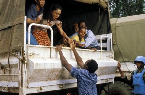 кадр №149828 из фильма Отель «Руанда»