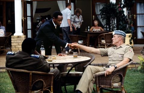 кадр №149831 из фильма Отель «Руанда»