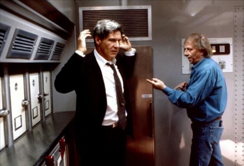 кадр №154447 из фильма Самолет президента