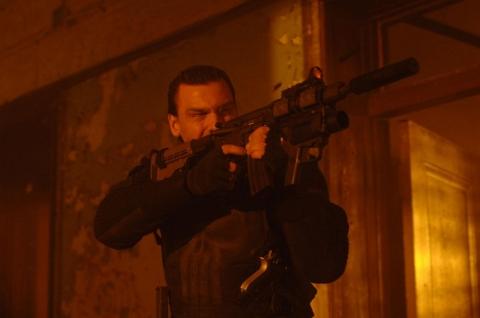 кадры из фильма Каратель: Территория войны
