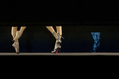 кадр №156924 из фильма Огонь Кристиана Лубутена 3D