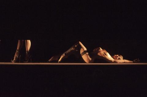 кадр №156925 из фильма Огонь Кристиана Лубутена 3D