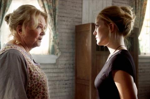 кадры из фильма Ключ от всех дверей Джина Роулендс, Кейт Хадсон,