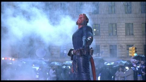 кадры из фильма Хеллбой II: Золотая армия