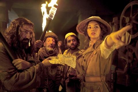 кадр №161552 из фильма Необычайные приключения Адель