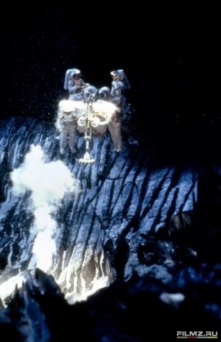 кадр №161988 из фильма Столкновение с бездной