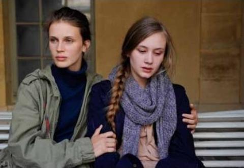 кадр №164044 из фильма Молода и прекрасна