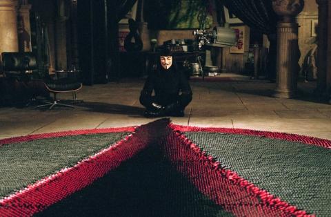 кадры из фильма «V» значит вендетта