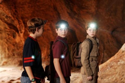 кадры из фильма Три сыщика и тайна Острова скелетов