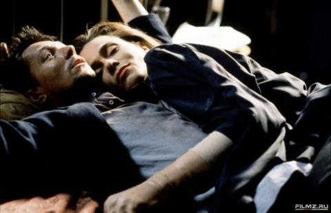кадр №175137 из фильма Ромео истекает кровью