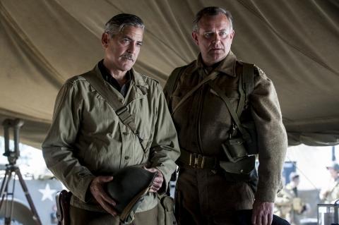 кадры из фильма Охотники за сокровищами Джордж Клуни, Хью Бонневиль,