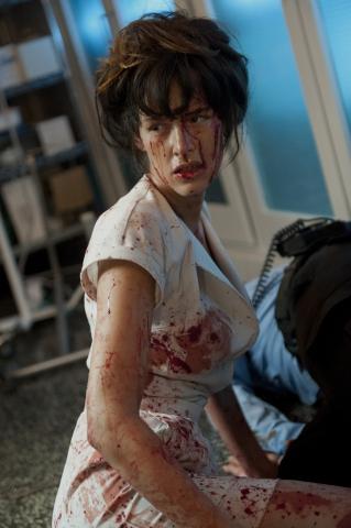 кадр №185883 из фильма Медсестра 3D