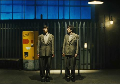 кадр №186598 из фильма Двойник