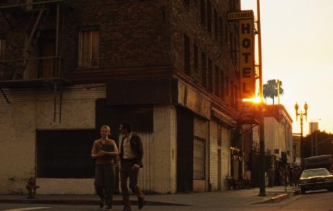 кадр №189137 из фильма Совсем низко