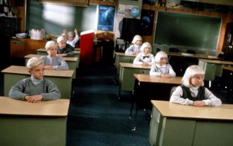 кадр №192543 из фильма Деревня проклятых