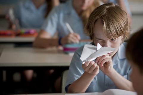 кадр №192856 из фильма Бумажные самолёты*
