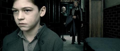 кадры из фильма Гарри Поттер и Принц-полукровка Хиро Файнс-Тиффин, Майкл Гэмбон,