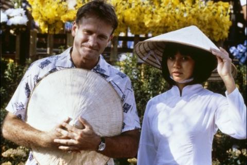 кадр №195236 из фильма Доброе утро, Вьетнам