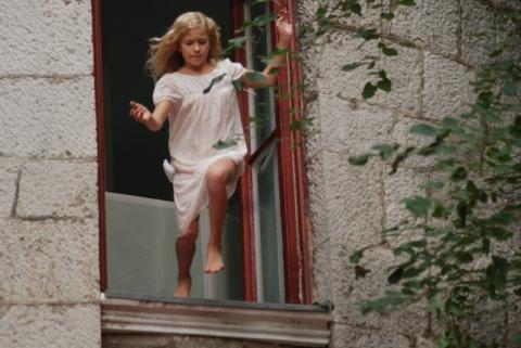 кадр №19602 из фильма Юленька