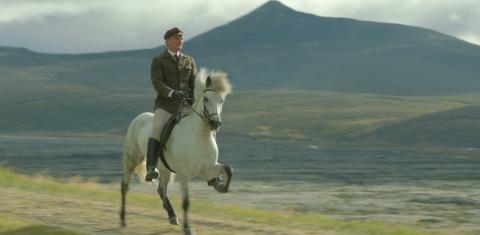 кадр №197087 из фильма О лошадях и людях