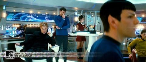 кадры из фильма Звездный путь Крис Пайн, Карл Урбан, Закари Куинто,