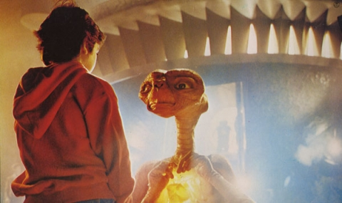 кадр №20456 из фильма Инопланетянин